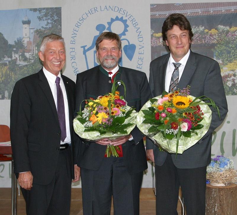 Von links: Der scheidende Vizepräsident Dr. Otto Hünnerkopf mit dem wiedergewählten Präsidenten Wolfram Vaitl und dem neu gewählten Vizepräsidenten Ulrich Pfanner.